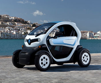 benzina addio al volante dell 39 auto scooter elettrica twizy da 7mila euro il sole 24 ore. Black Bedroom Furniture Sets. Home Design Ideas