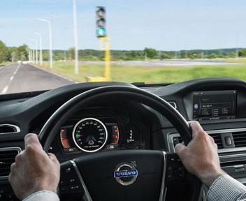 Continental a braccetto con google e ibm per le auto che for L auto che si guida da sola